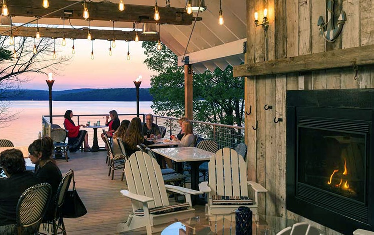 the-dock-on-wallenpaupack-outside-dining