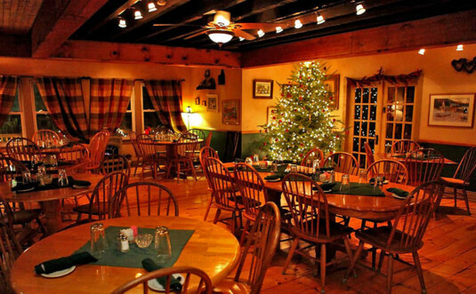 the country style dining room at buck hill forks