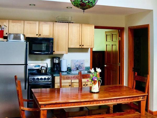 the-lodge-at-keen-lake-condo-kitchen