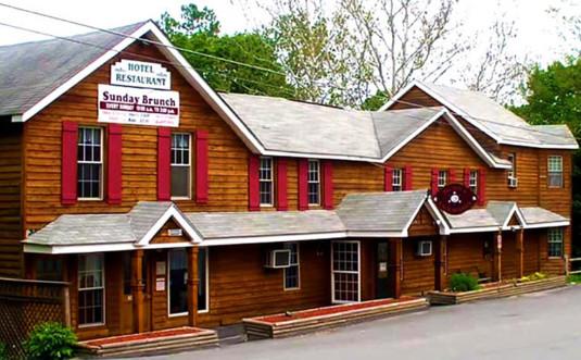 the-new-inn-at-lackawaxen-exterior-wood