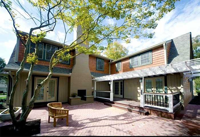 the-shawnee-inn-and-golf-resort-worthington-cottage