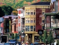 the-town-of-jim-thorpe-downtown-in-autumn