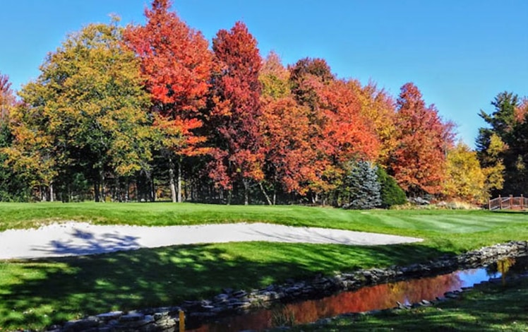 timber-trails-golf-club-lake-naomi-sand-trap-and-autumn-trees