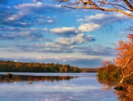 tobyhanna-state-park-lake-in-the-autumn