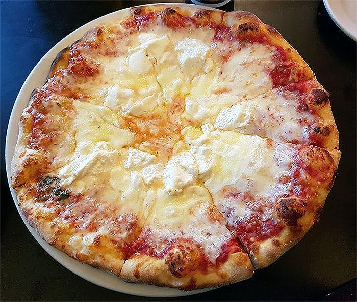 trattoria-903-pizza