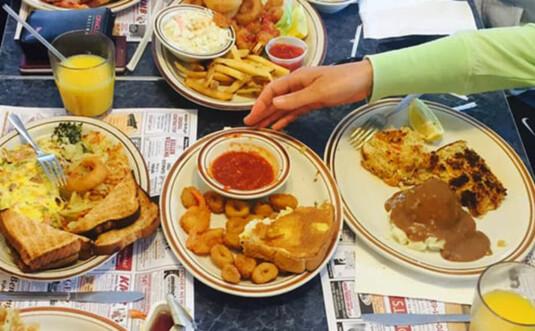 triplets-famly-diner-table-of-food