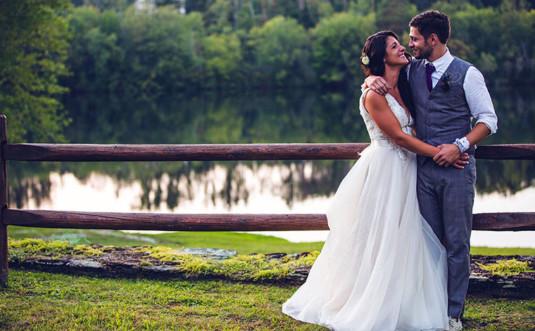 trout-lake-wedding-couple by the lake