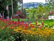 valleyview-farm-campground-entrance-mountain