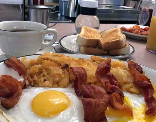 white-haven-family-diner-bacon-eggs-toast
