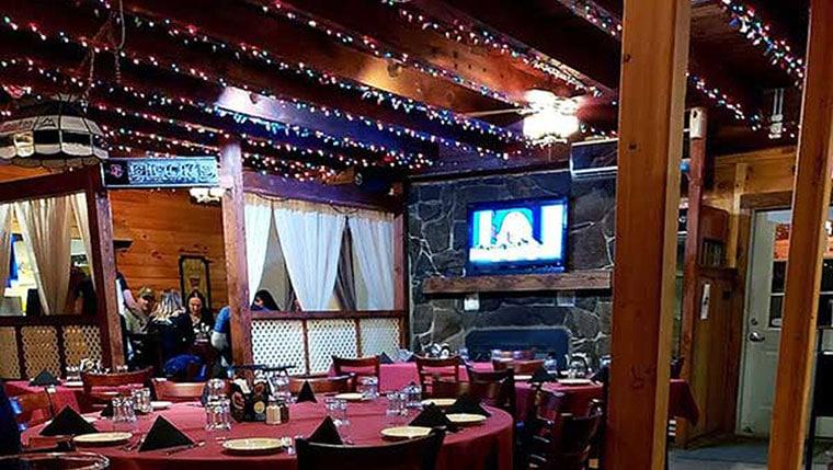 white-owl-steakhouse-dining-room