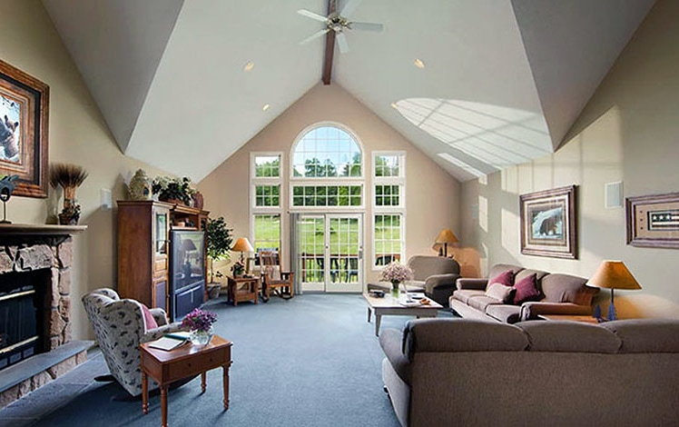 woodloch-springs-house-rental-living-room-fireplace