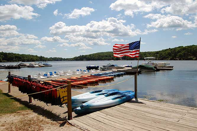 yeti-water-sports-dock-with-kayaks-and-paddle boats